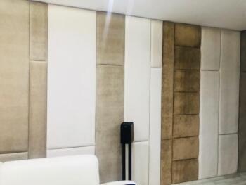 Brązowe i białe panele tapicerowane - Cocodeco Katowice